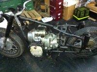 ¿Cuál es la medida del avance del encendido en un 65cc.? 377_moto_desmontada_a_falta_motor